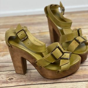 Bed Stu Cobbler Series Green Buckle Platform Heel